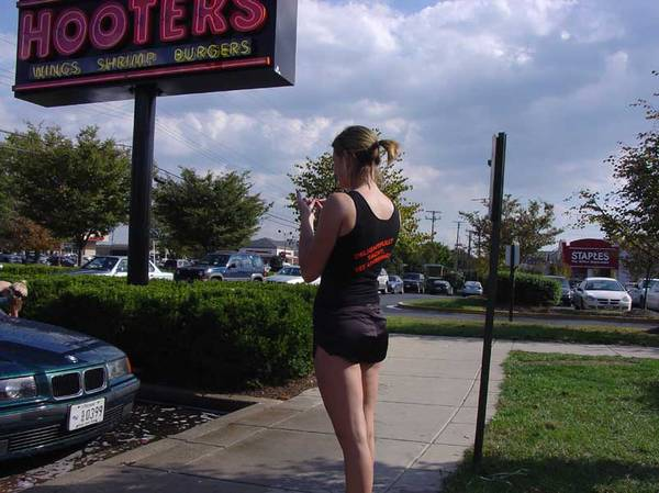 Hooters Charity Carwash 2005