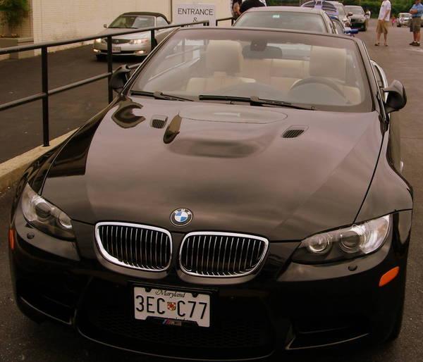 Hooters Charity Car Wash