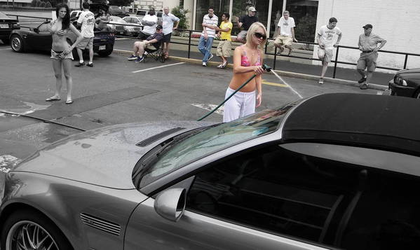 Hooters Charity Car Wash 28 June 2009 Rockville, MD.